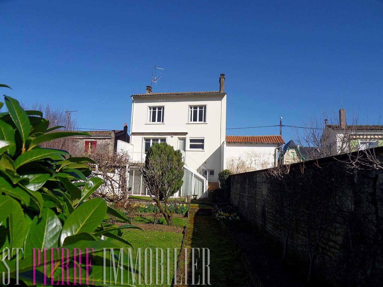 Maison quai de belle le niort st pierre immobilier niort for Constructeur de maison niort
