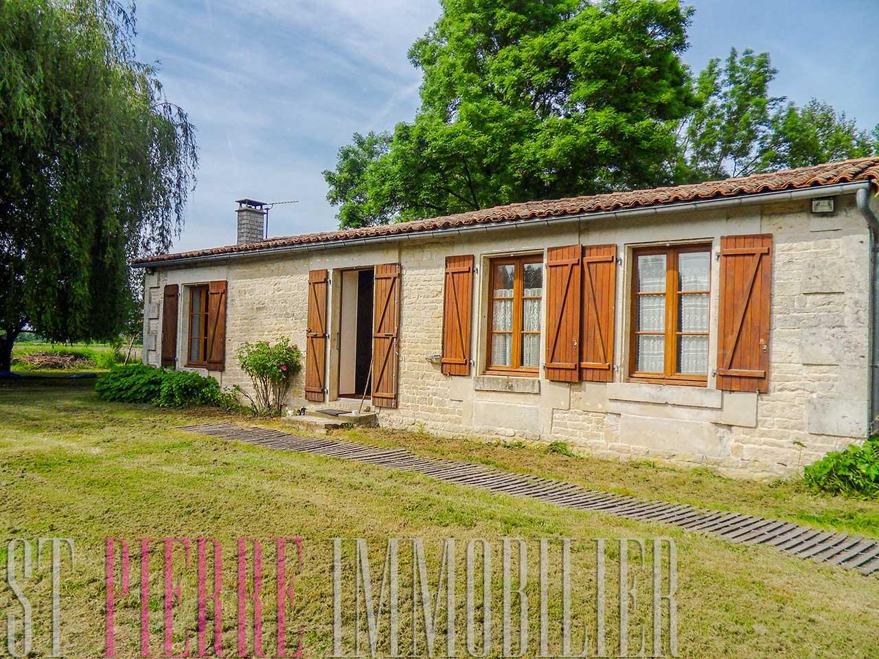 Vente maison marais poitevin coulon st pierre immobilier for Vente maison a